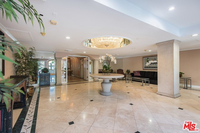 430 North Oakhurst Drive, Unit 306 Beverly Hills, CA 90210