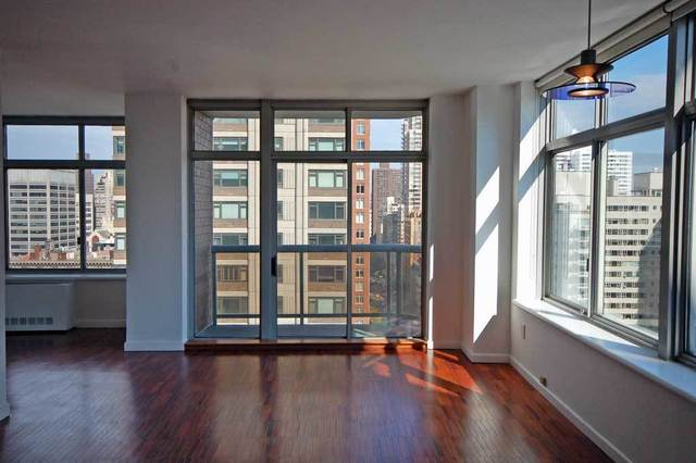 188 East 64th Street, Unit 1905 Image #1