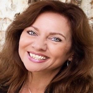 Caroline Weaver,                     Agent in Los Angeles - Compass
