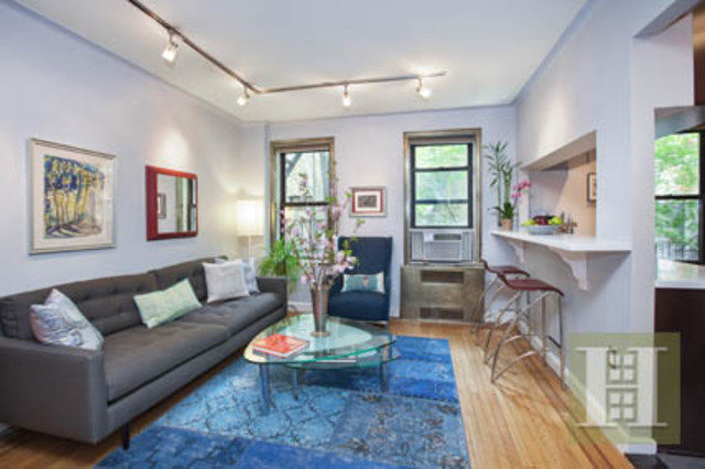 166 West 22nd Street, Unit 1F Image #1