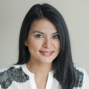 Maria Campuzano,                     Agent in Chicago - Compass
