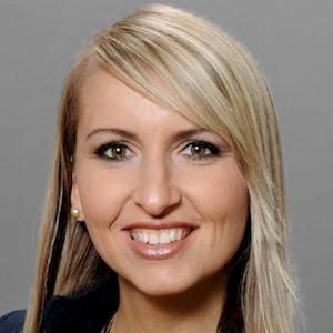 Eva Stoyanov,                     Agent in San Francisco - Compass
