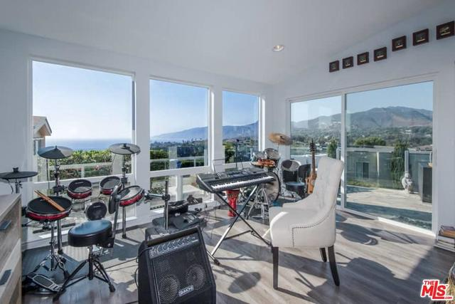 29500 Heathercliff Road, Unit 211 Malibu, CA 90265