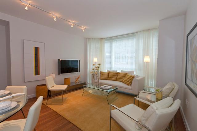 330 West 39th Street, Unit 10B Image #1