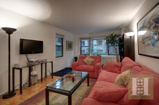 345 East 52nd Street, Unit 2J Image #1