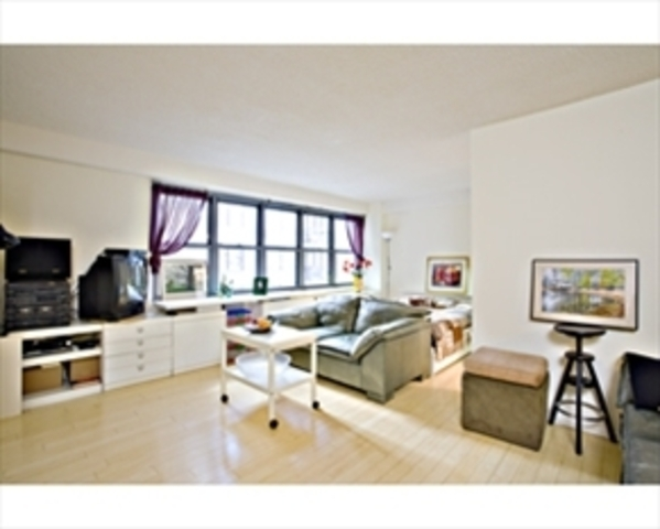 132 East 35th Street, Unit 11A Image #1