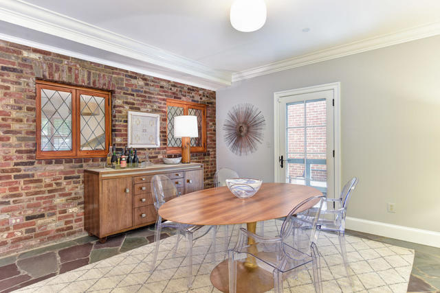 555 South Washington Street, Unit 100 Alexandria, VA 22314