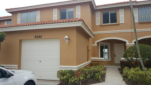 6242 Eaton Street Royal Palm Beach, FL 33411