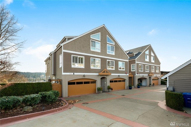 6401 Northeast 181st Street, Unit B4 Kenmore, WA 98028