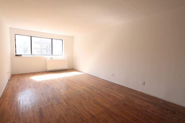 320 East 65th Street, Unit 603B Image #1