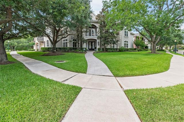 11 Stonecliff Circle Sugar Land, TX 77479
