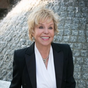 Maureen White, Agent in Los Angeles - Compass