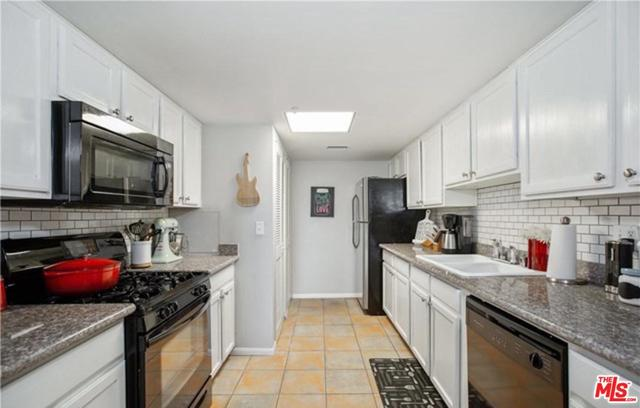 11124 Burbank Boulevard, Unit 308 North Hollywood, CA 91601