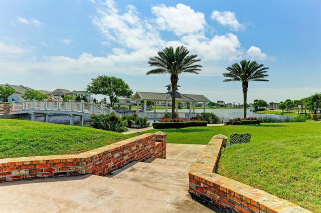 6 Porch Street Galveston, TX 77554