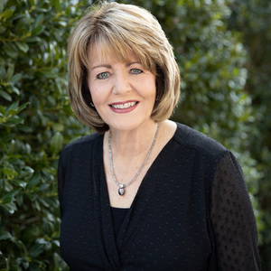 Susan Smith,                       Agent in Nashville - Compass