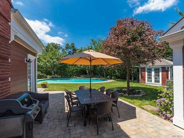 121 Fountain Avenue Rockville Centre, NY 11570