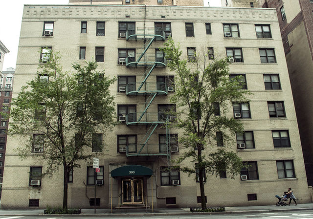 300 West 72nd Street, Unit 3E Image #1