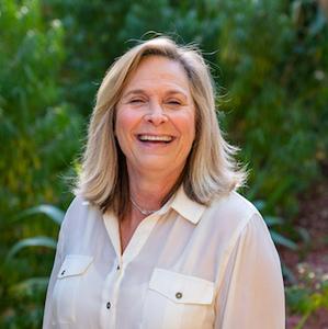 Lynn Carteris