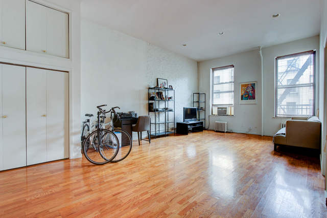 239 East 14th Street, Unit 3R Image #1