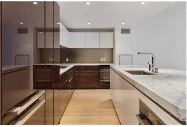 135 West 52nd Street, Unit 18B Image #1