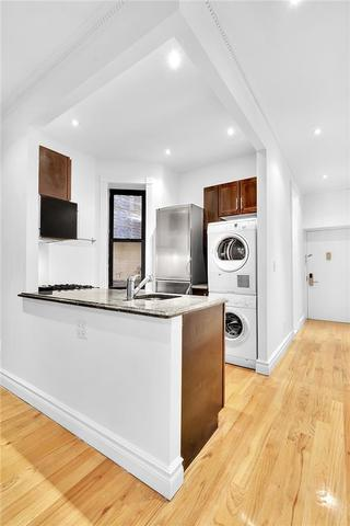 420 East 66th Street, Unit 2G Image #1