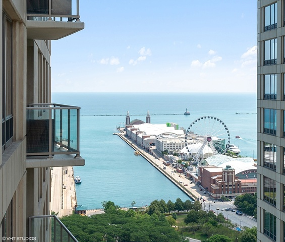 600 North Lake Shore Drive, Unit 3102 Chicago, IL 60611