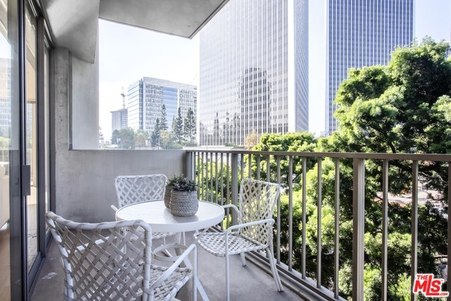 2160 Century Hill, Unit 312 Los Angeles, CA 90067