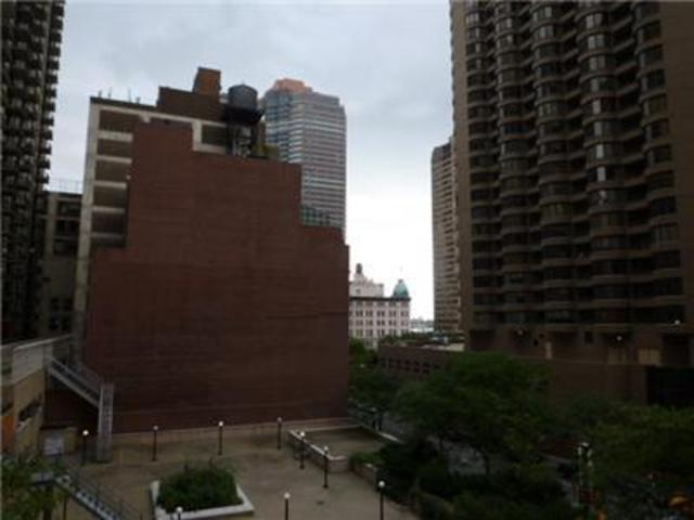 311 East 38th Street, Unit 4D Image #1