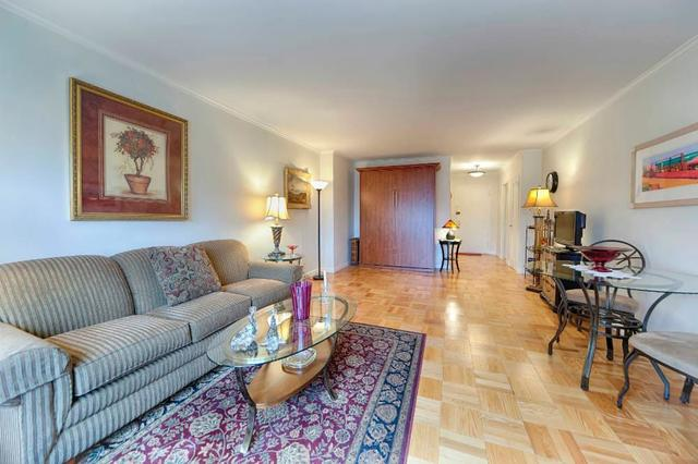 118 East 60th Street, Unit 16D Image #1