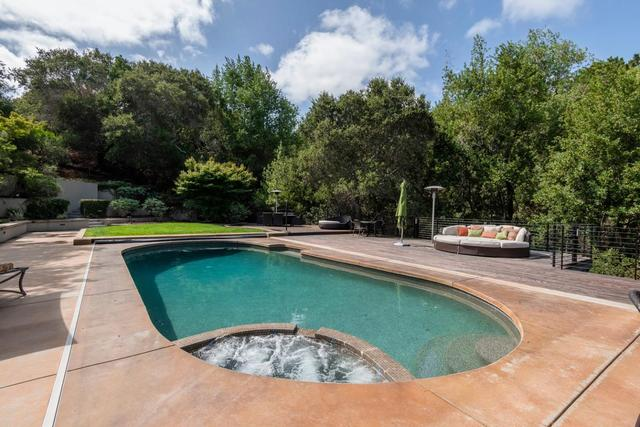 2510 Skyfarm Drive Hillsborough, CA 94010
