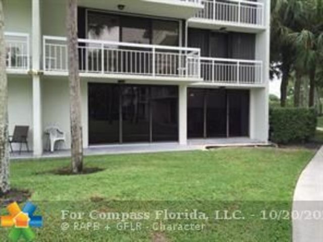 2621 East Village Boulevard, Unit 101 West Palm Beach, FL 33409