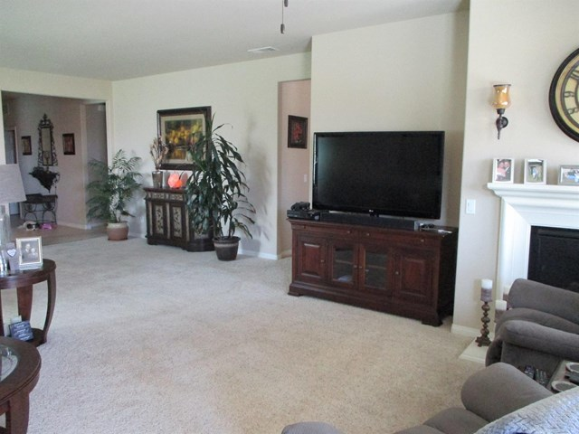 11071 Phoenix Road Apple Valley, CA 92308