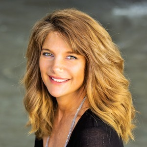 Kelly  Pessis,                   Agent in Los Angeles - Compass