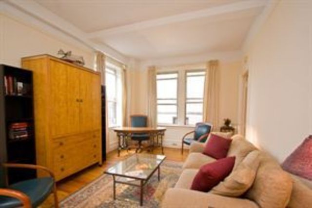 170 West 74th Street, Unit 814 Image #1