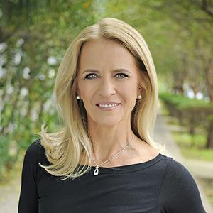 Jeanie Vidaurreta,                       Agent in Miami - Compass