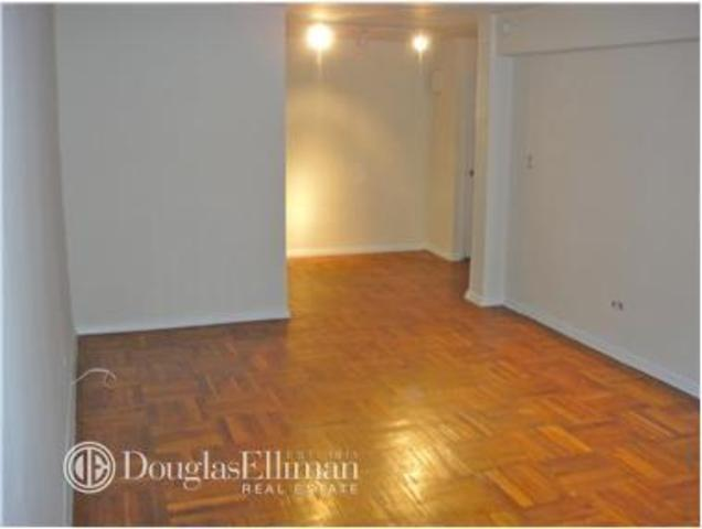 408 West 34th Street, Unit 1L Image #1