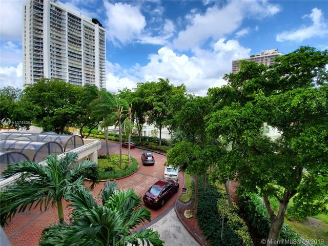 19355 Turnberry Way, Unit 2B Miami, FL 33180