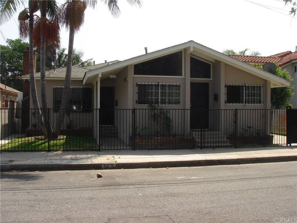 204 North Rose # 204 & 202 Avenue Compton, CA 90221