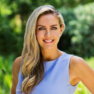 Vanessa Quinn,                     Agent in Los Angeles - Compass