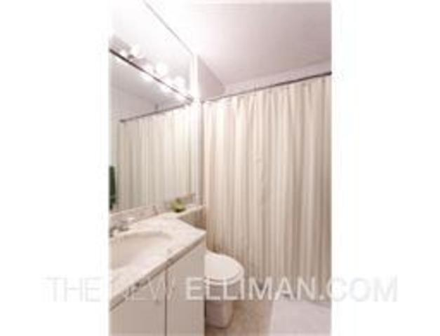 30 West 61st Street, Unit 11H Image #1
