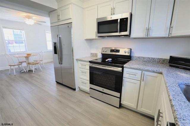 7 South Gladstone Avenue, Unit FULL SUMMER Margate City, NJ 08402