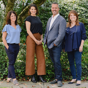 The Gregg Goldsholl Team,                     Agent in Westchester, NY - Compass