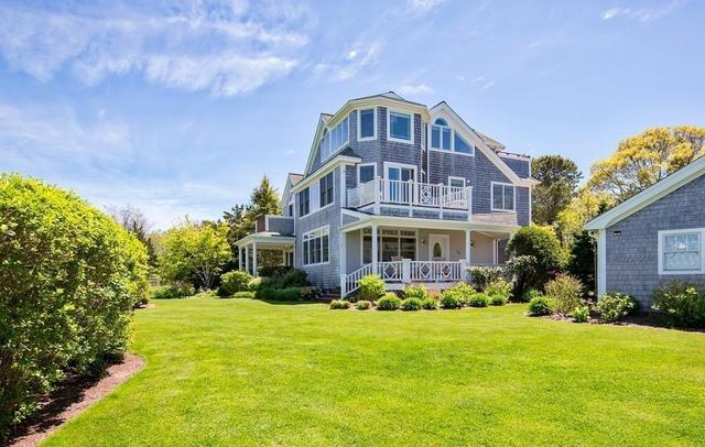 15 Dover Street Oak Bluffs, MA 02568