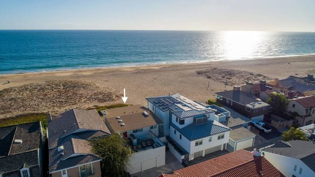 1572 East Oceanfront Newport Beach, CA 92661