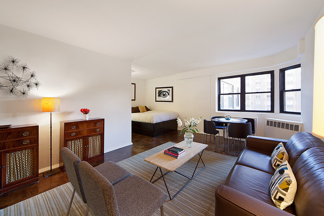 176 East 77th Street, Unit 10A Image #1