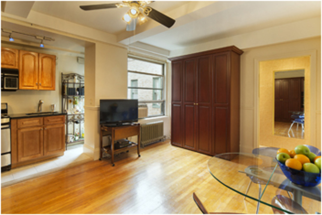 325 West 45th Street, Unit 1003 Image #1