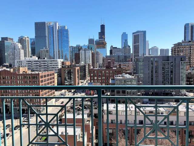 340 West Superior Street, Unit 1207 Chicago, IL 60654