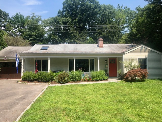 28 Woods Grove Westport, CT 06880
