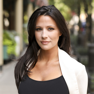 Jamie Auletta,                     Agent in NYC - Compass