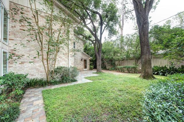 10043 Cedar Creek Drive Houston, TX 77042